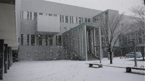 mihama_culture_hall_with_snow.jpeg